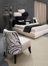 Cama estofada com cabeceira de Cama estofada com elementos diferentes.Fabricamos cabeceiras de cama por medida.