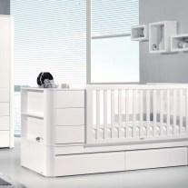 Mobiliário para bebé em lacado branco e creme. Visite-nos e conheça a nossa colecção de mobiliário para bebé!