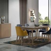 Mobiliário em carvalho taupê e lacado creme alto brilho. Sala de jantar onde pode personalizar os acabamentos. Consulte-nos para encontrar a melhor solução para o seu espaço!
