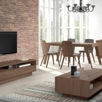 Mobiliário em madeira de nogueira. Sala de jantar onde pode personalizar os acabamentos. Consulte-nos para encontrar a melhor solução para o seu espaço!