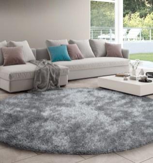 Temos vários modelos de tapetes a corte. Dispomos de uma grande variedade de texturas e cores.