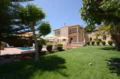 Immaculate Villa for Sale in Son Parc Menorca