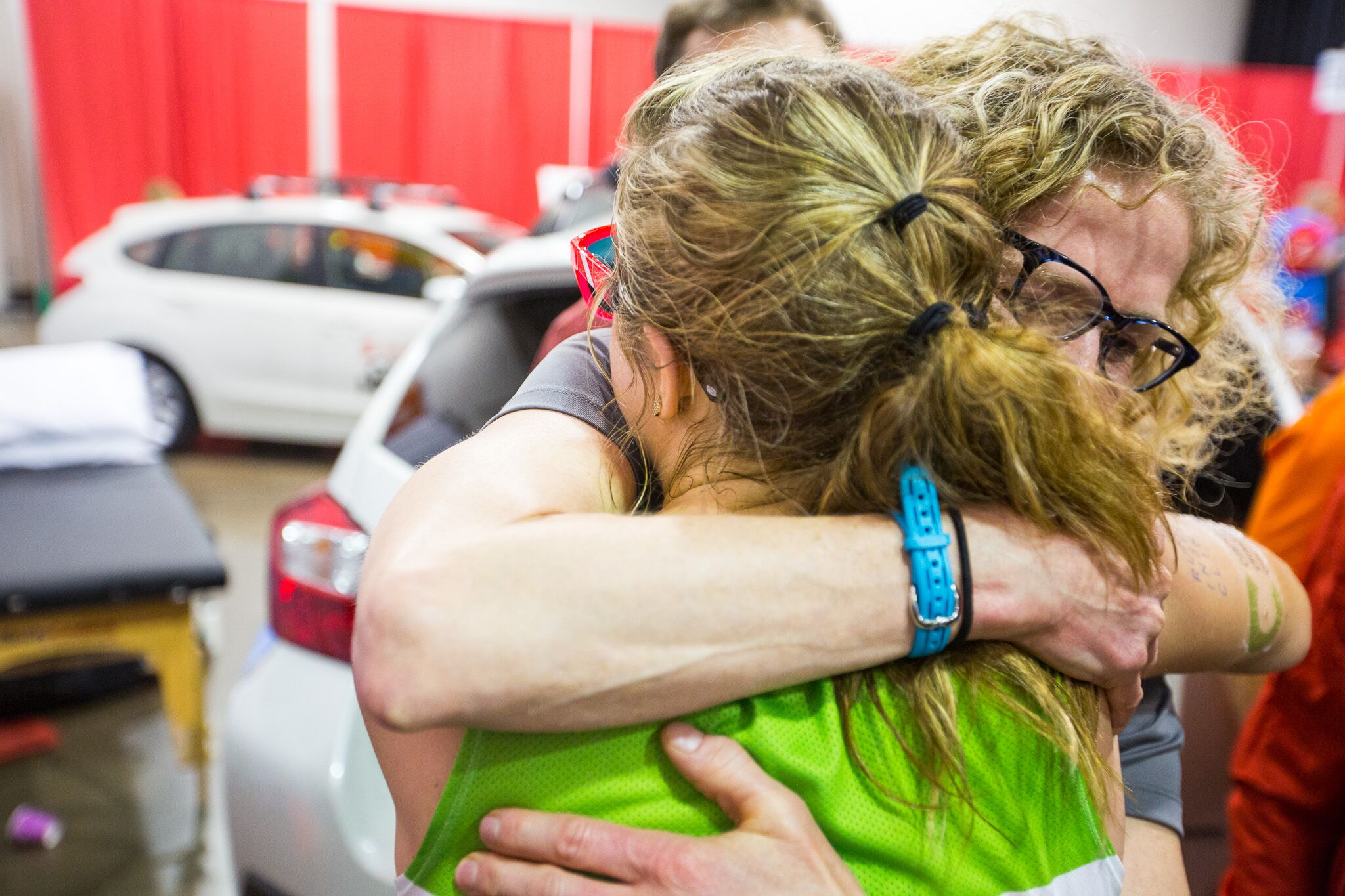 Louise Taylor and Arielle Fitzgerald embrace after Arielle broke 2 Guinness World Records
