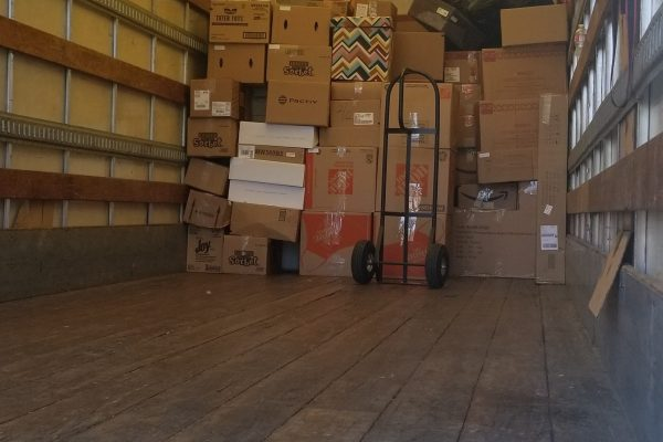 Picture of Movers and Movers' loading proccess is like playing tetris.