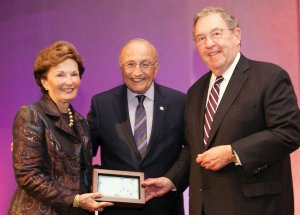Honorees Mary Ellen and Tom Cody, with (center) Dr. Richard Kerstine, a CEI founding doctor and 2014 winner of the award