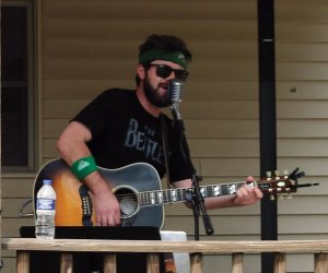 Musician Scott Salmon entertained at a grill-out following the tournament.