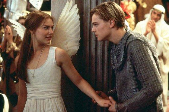 Claire Danes as Juliette and Leonardo di Caprio as Romeo