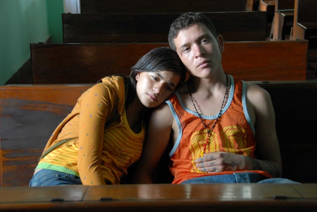 http://theotherjournal.com/filmwell/files/2009/04/2009_sin_nombre_001.jpg