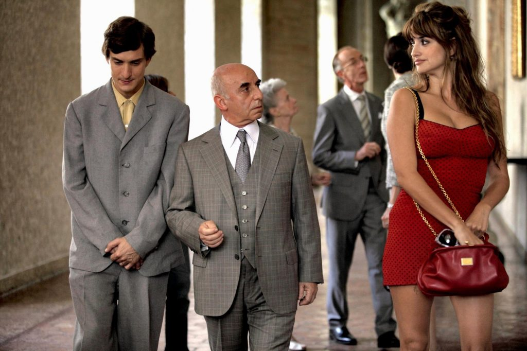 http://www.aceshowbiz.com/images/still/to-rome-with-love04.jpg