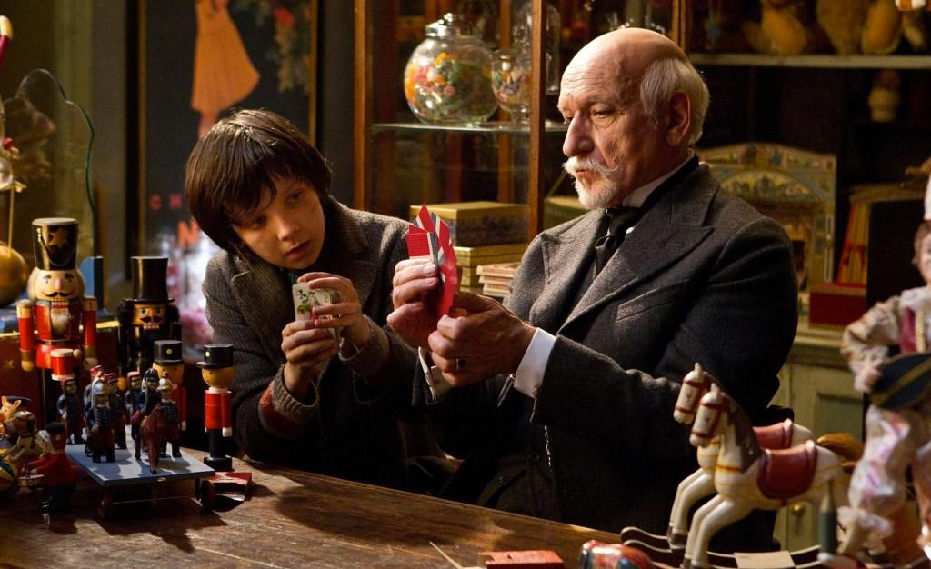 http://thatwasjunk.com/wp-content/uploads/2012/01/HUGO_movie_photo_1.jpg