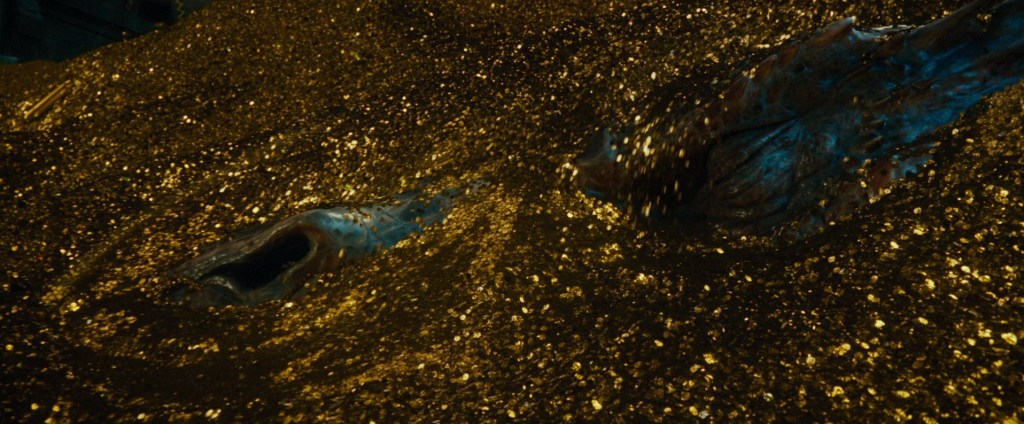 http://static2.wikia.nocookie.net/__cb20130307214812/lotr/images/0/05/Smaug_treasure.jpg