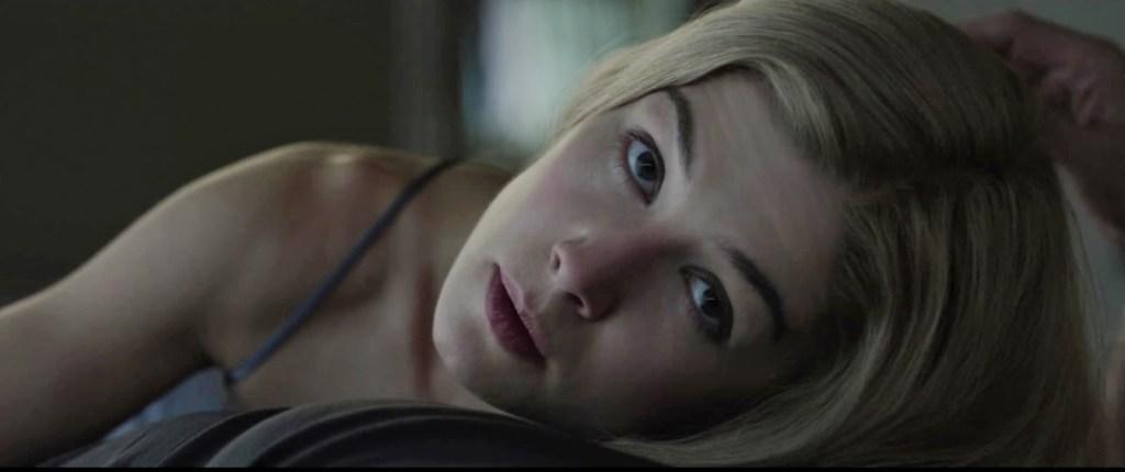 http://4.bp.blogspot.com/-Z_DFPwByeIE/U045xyQ7B-I/AAAAAAAAFnM/osUu6RgBs14/s1600/GONE+GIRL+Movie+HD+Trailer+Captures00004_1_1.jpg