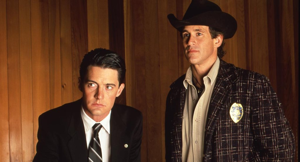 http://img2.wikia.nocookie.net/__cb20111126224832/twinpeaks/images/3/3f/055-Cooper-and-Truman.jpg