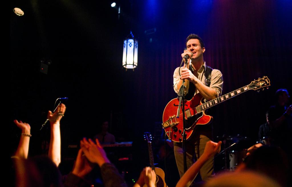 http://movies.inquirer.net/files/2014/06/ADAM-LEVINE-IN-BEGIN-AGAIN.jpg
