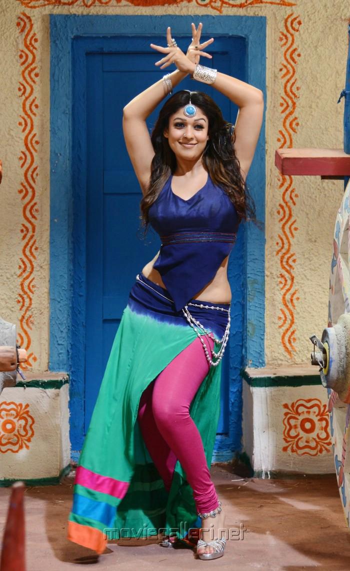 Maa Tara Wallpaper Hd Picture 460506 Actress Nayanthara Hot In Greeku Veerudu
