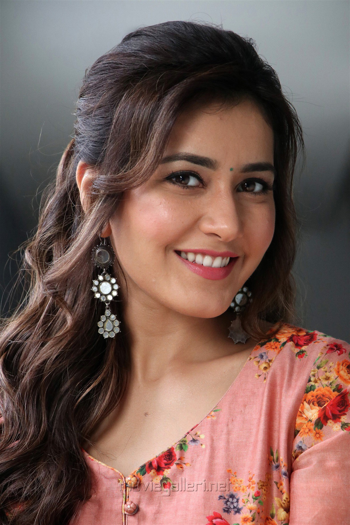 The film is being released in tamil nadu by udayanithi stalin's red giant. Actress Rashi Khanna Latest Photoshoot Pictures HD | New
