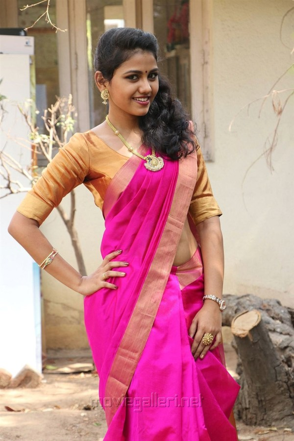 1196027 Tamil Actress Manishajith In Silk Saree Imgurl