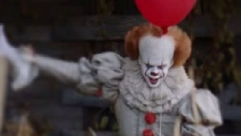 Creepy New image of everyone's fave killer clown, Pennywise. (photo credit Thomas Woodruff)