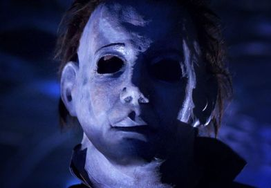Jamie Lee Curtis is Back for Blood in Terrifying First Trailer for Halloween