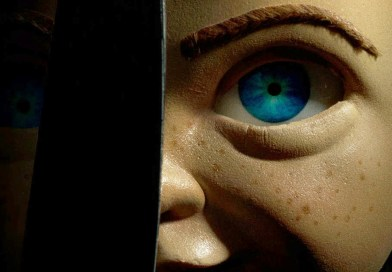 """Chucky is a Killer """"Smart"""" Robot in Trailer for Child's Play Reboot"""