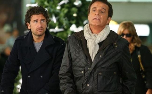 Christian De Sica Con Alessandro Siani In Una Scena Del