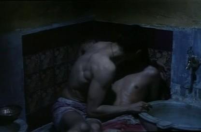 Il bagno turco Alessandro Gassman e Mehmet Gunsur nella sensuale scena del bacio 144062