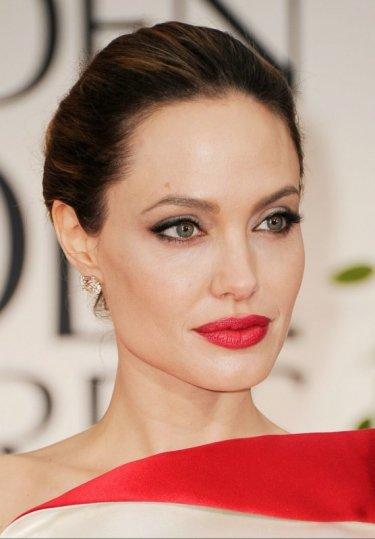 A beautiful Angelina Jolie the Golden Globes