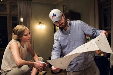 Mother!: Jennifer Lawrence and Darren Aronofsky are preparing a scene