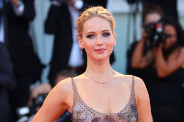 Venice of 2017: Jennifer Lawrence on the red carpet, and mother!