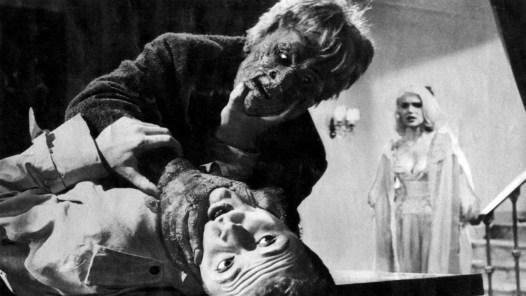 atom-age-vampire-seddok-1960-strangling