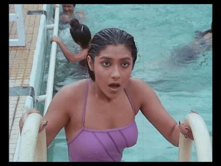 aarti-gupta-bathing-suit-purana-mandir-bollywood-horror