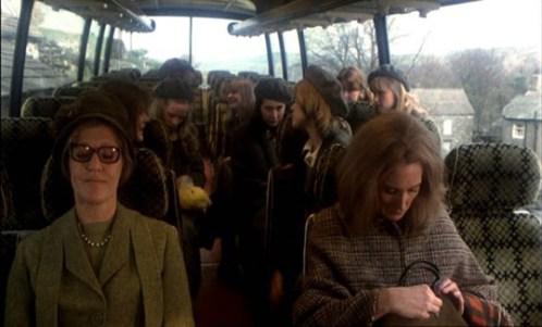 Killer's-Moon-1978-schoolgirls-on-coach
