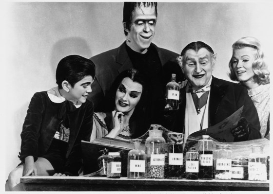the-munsters-family-portrait-image-2