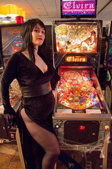 elvira pinball machine
