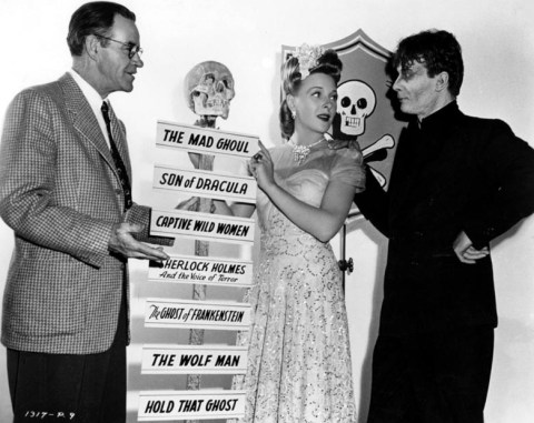 Scream queen Evelyn Ankers with The Mad Ghoul