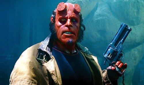 Hellboy-gun-590x530