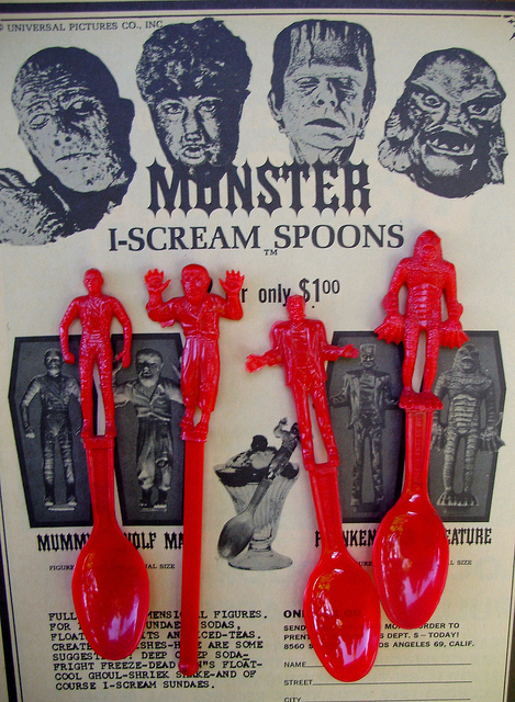 I-scream universal monster plastic spoons 1960s