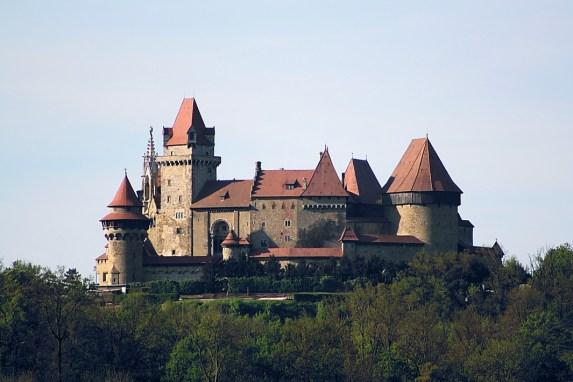 Burg_Kreuzenstein_von_Süden