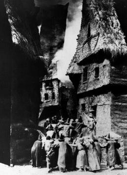 der-golem-1920-ghetto
