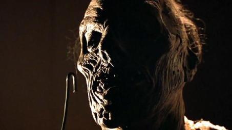 tales_from_the_darkside_the_movie_mummy_break_in
