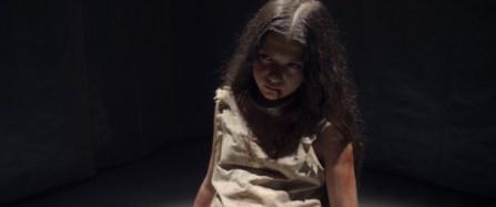 Martyrs-2015-remake-girl