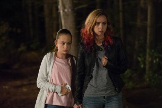 the-monsters-2016-horror-movie-zoe-kazan-ella-ballentine