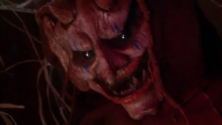 demonicheskie_igrushki_2-_lichnye_demony_demonic_toys_2-_personal_demons_2010_dvdrip_fantasy_horror_1302077050-205201
