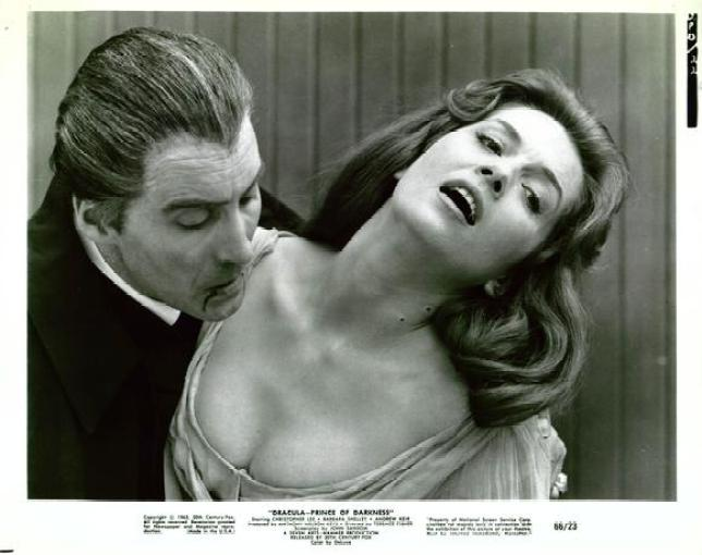dracula-prince-of-darkness-movie-poster-1966-1020389277