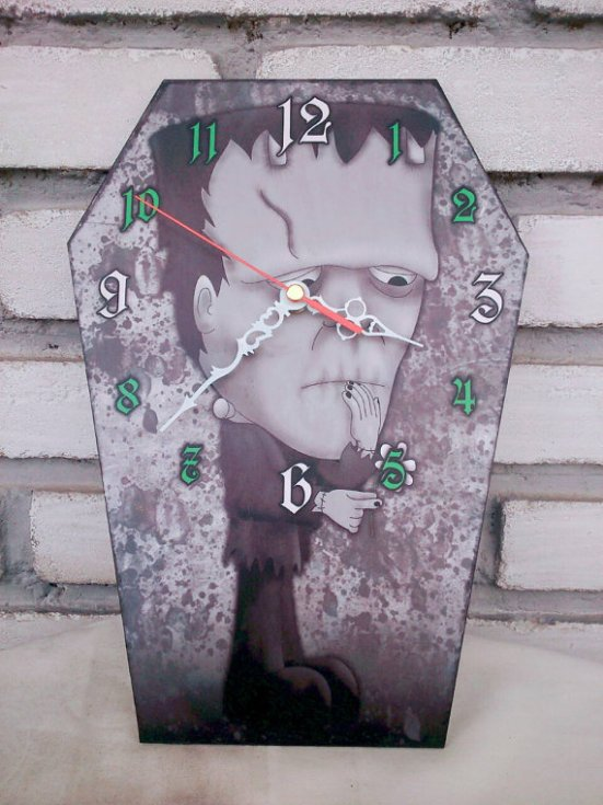 horror-clock-frankenstein