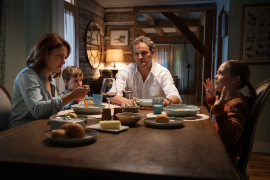 Amy Seimetz as Rachel, Hugo Lavoie as Gage, Jason Clarke as Louis and Jeté Laurence as Ellie in PET SEMATARY, from Paramount Pictures
