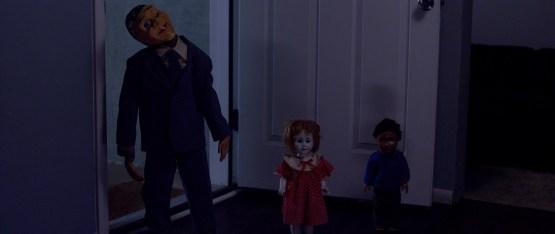 Dolls-2019-review-movie-film-horror-dolls