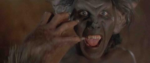 Sundown-The-Vampire-in-Retreat-movie-film-1989-comedy-horror-review-reviews-vampire-bat