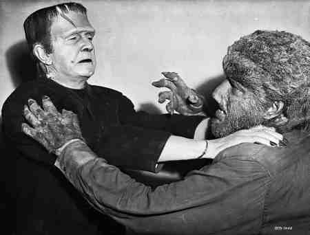 Frankenstein-Meets-the-Wolf-Man-movie-film-horror-Universal-1943-review-reviews-fighting