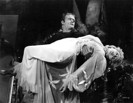 Frankenstein-Meets-the-Wolf-Man-movie-film-horror-Universal-1943-review-reviews-poster-beauty-and-the-beast